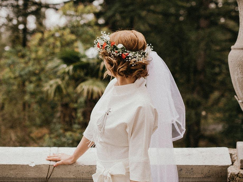 Acconciatura sposa con accessorio