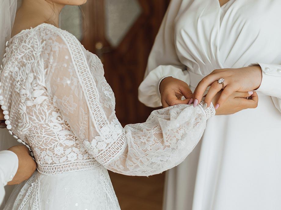 Naturalezza, morbidezza e leggerezza per gli abiti da sposa 2021